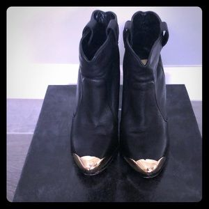 Metal tips ankle boots